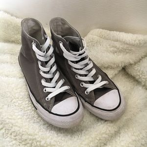 Gray high top converse